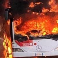 Benevento, a fuoco nella notte tre autobus urbani della Trotta