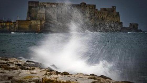 Napoli, domani scuole chiuse: allerta gialla, ma c'è pericolo per il vento