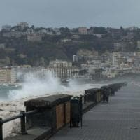 Napoli, allerta meteo: scuole chiuse  per il secondo giorno