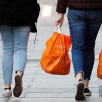 Sacchetti di plastica fuorilegge, sequestri in tutta la Campania