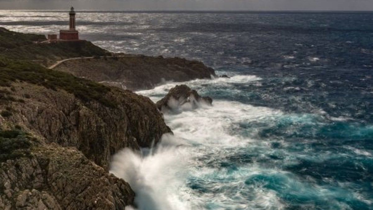 Maltempo: Golfo Napoli, collegamenti difficili con Capri - La Repubblica