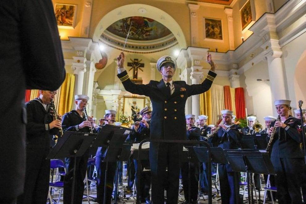 Salerno, la Banda della Nato a Camerota in concerto per i caduti di Nassiriya