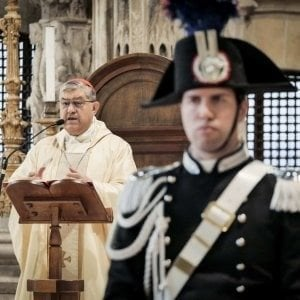 """Napoli, l'Arma dei Carabinieri celebra la """"Virgo Fidelis"""" a Santa Chiara"""