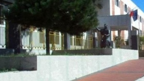 #SiamoTuttiLina: manifestazione di slodarietà per la maestra picchiata