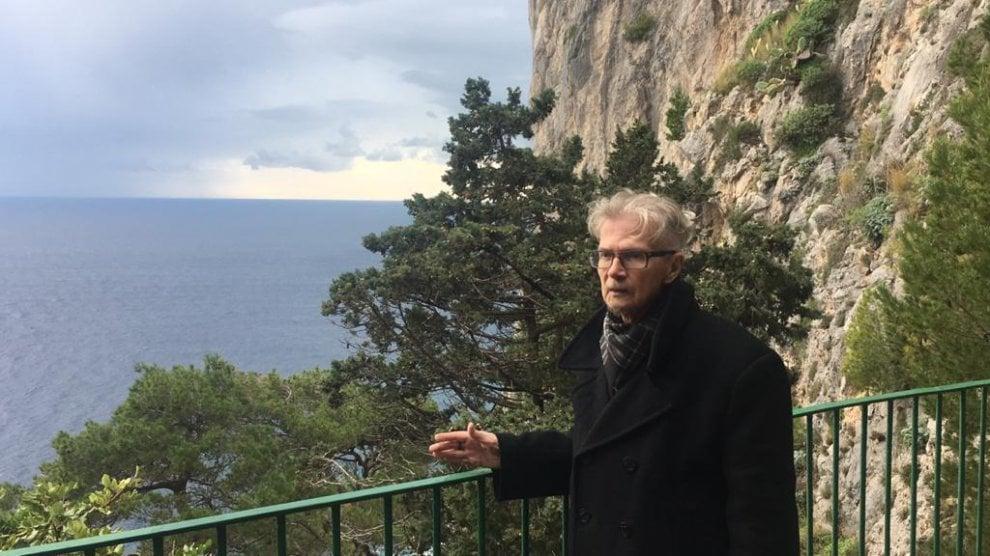 Limonov a Capri, lo scrittore russo rapito dall'isola azzurra