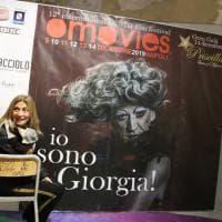 Omovies film festival, attori e attivisti sulla sedia simbolo della lotta all'omofobia
