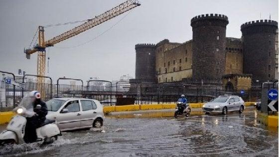 Allerta meteo, a Napoli scuole chiuse  venerdì 13 dicembre