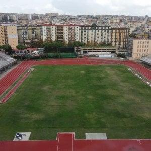 Napoli, riapre lo stadio Collana ma è scontro