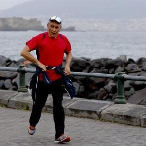 """Napoli, Bassolino: """"Corro, ascolto e guardo la mia città abbandonata"""""""