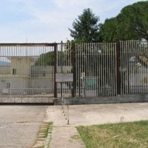 Carceri: educatore aggredito da un detenuto nel Casertano
