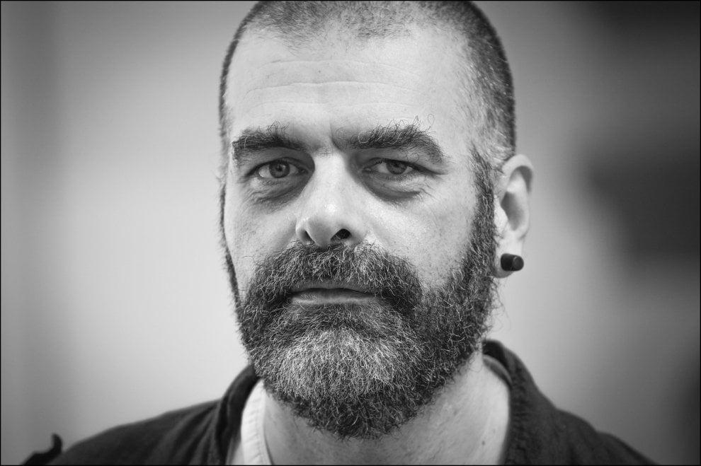 """I volti di Napoli, Marco Messina: """"Io, i 99 Posse e il dovere di rimanere a Napoli"""""""
