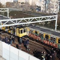 Napoli, scontro tra due treni della metropolitana
