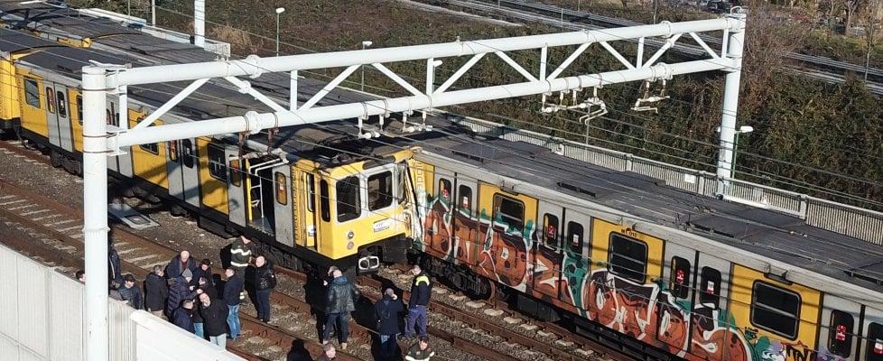 Risultati immagini per Incidente metro Napoli