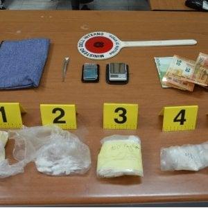 Torre Annunziata, i cani Kira e Trilly trovano 165 grammi di cocaina in un appartamento
