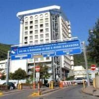 Medico e infermiere aggrediti all'ospedale di Salerno