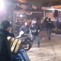 Napoli, il raid delle babygang contro la polizia, in piazza per dire no