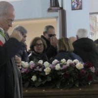 Il sindaco di Casal di Principe ai funerali della mamma di don Diana: