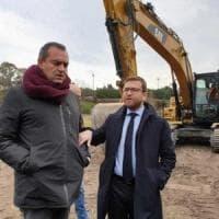 Arrivano le ruspe per la bonifica di Bagnoli, il ministro Provenzano: