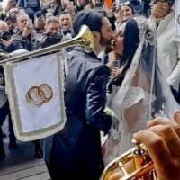 Nozze trash tra Tony Colombo e Tina Rispoli, licenziati i cinque trombettisti della...