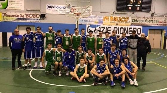"""Potenza, """"lo sport unisce non divide"""": la foto delle società di basket di Rionero e Melfi"""
