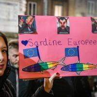 A Napoli le Sardine manifestano per la pace