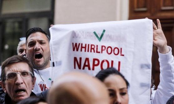 """Whirlpool, sciopero di 16 ore in tutta Italia. Landini: """"Mantenere i nervi saldi"""""""