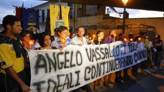 """Borrelli: """"Camorra, società infiltrata e non c'è classe dirigente"""""""