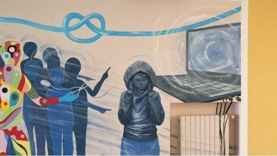 Napoli, un murale e uno spettacolo per le vittime del bullismo