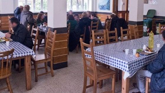 A Salerno pranzo di San Valentino alla mensa dei poveri