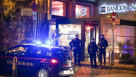 Controlli dei carabinieri di Napoli per la movida, multe per oltre 40mila euro