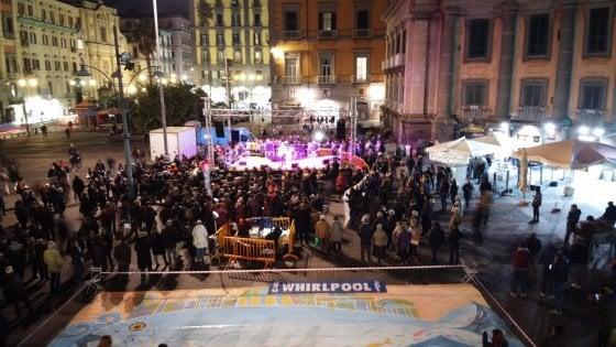 Sardine, flash mob in piazza a Napoli: flop rispetto a novembre. Evento interrotto
