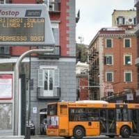 Coronavirus, prevenzione a Napoli: pulizie sui bus, mezzi fermi in deposito e linee soppresse