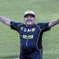 Maradona 'promuove' Messi al Napoli ma niente paragoni: