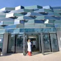 Coronavirus, a Napoli un nuovo caso sospetto: passaggio in 4 ospedali