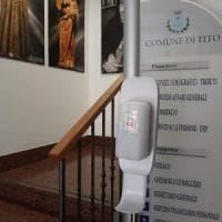 Potenza, a Tito dosatori per disinfettante gratuito al Comune e nelle scuole