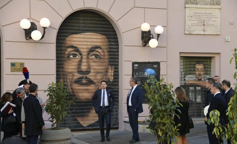 Macron e Conte a Napoli per il vertice Italia-Francia