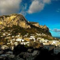 """Coronavirus, Capri contro De Luca: """"Calo del 40% del turismo? Falso"""""""