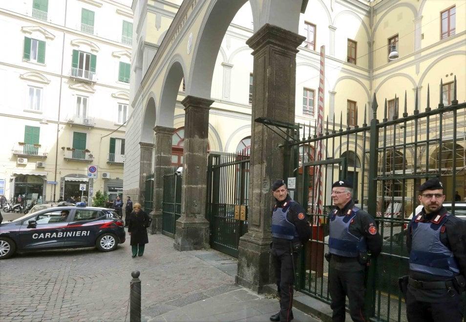Quindicenne morto a Napoli, Caserma Pastrengo presidiata dopo gli spari intimidatori