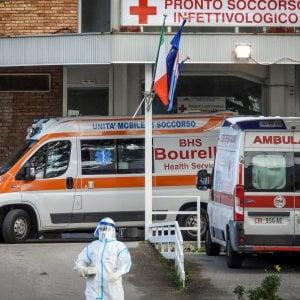 """Coronavirus, """"funziona farmaco artrite sperimentato a Napoli"""": il paziente è migliorato"""