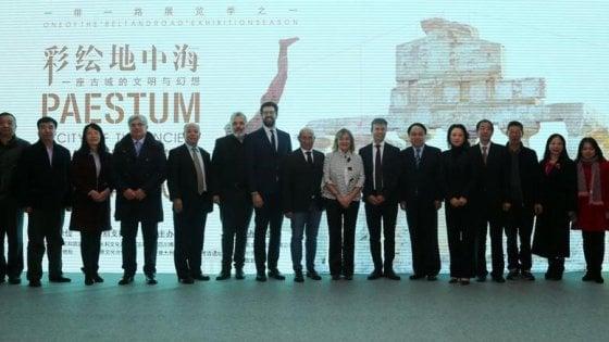 """Coronavirus, la mostra su Paestum riapre in Cina, nella capitale del Sichuan: """"Siamo onde dello stesso mare"""""""