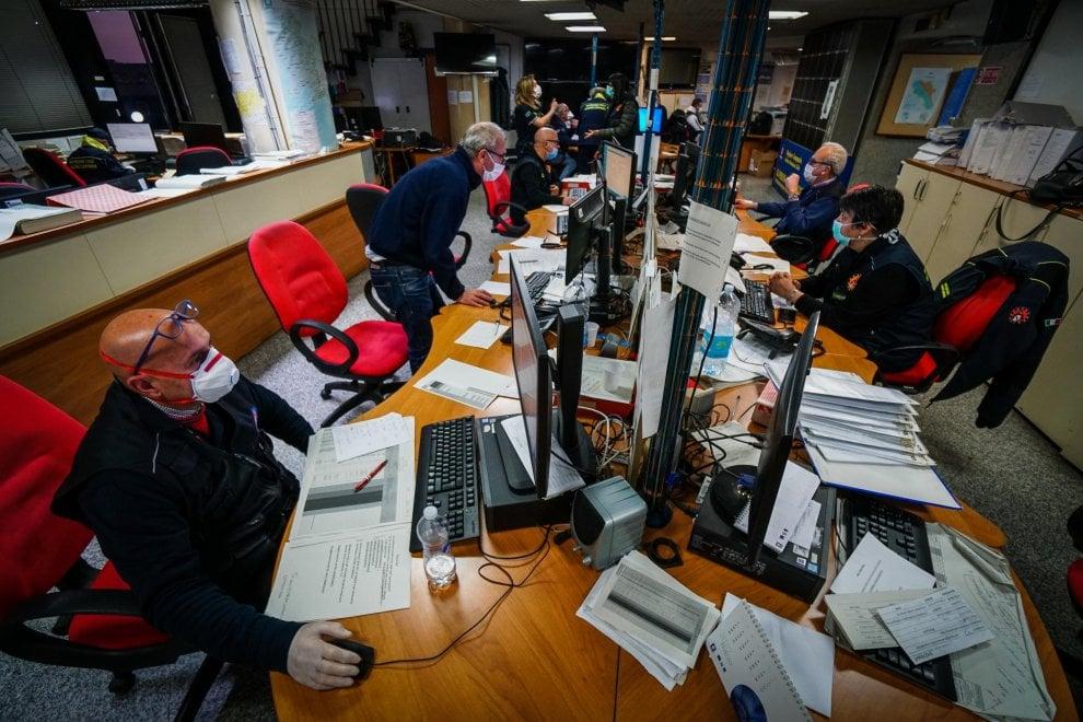 Coronavirus, la centrale operativa della Protezione civile in Campania