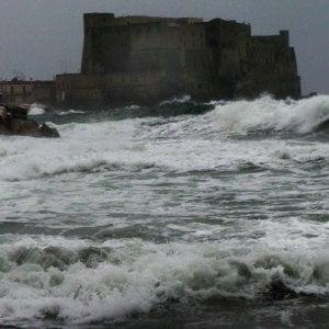 Campania, allerta meteo: venti forti, nevicate e gelate