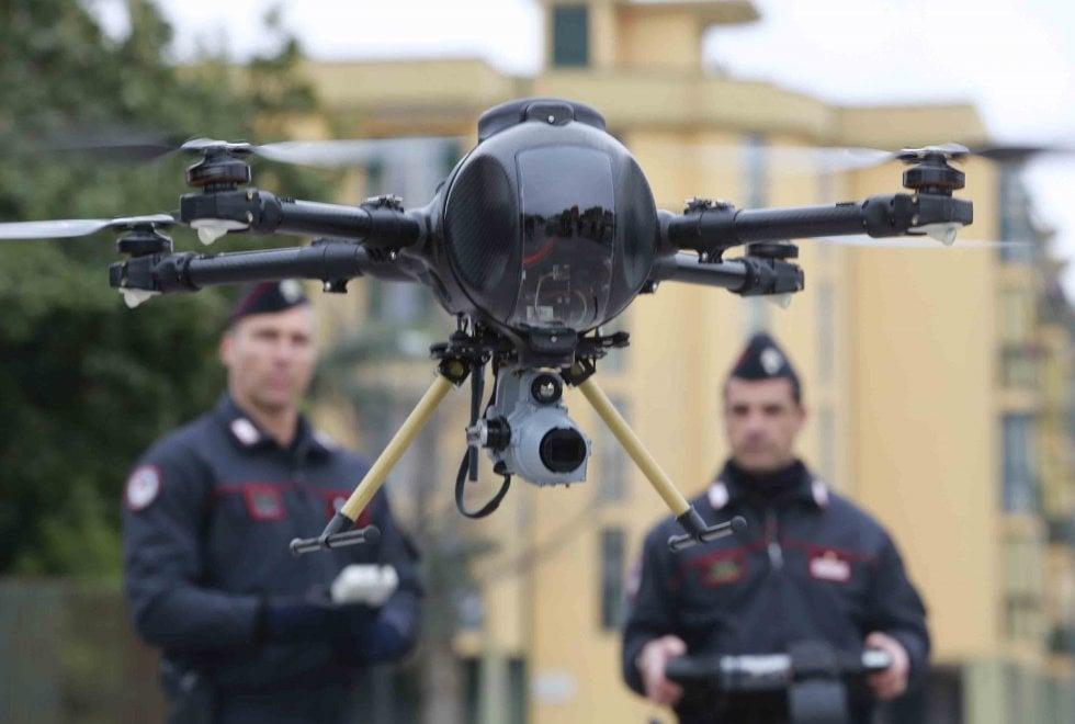 Coronavirus, droni dei carabinieri per controllare gli assembramenti