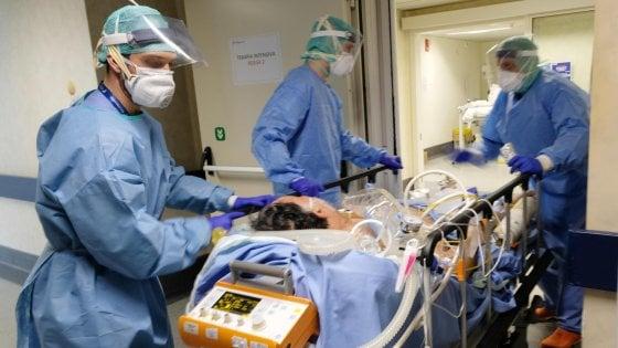 Coronavirus, in Campania accordo con privati: 3mila posti letto