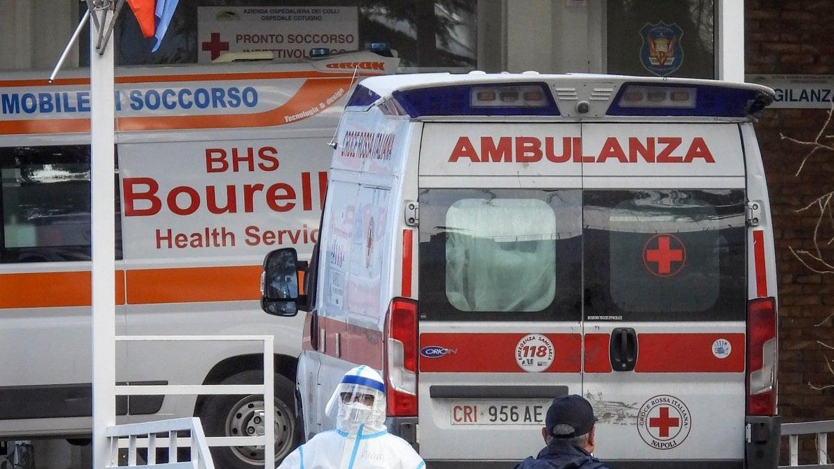 """Coronavirus, il paziente 1 di Napoli è guarito: """"Un brutto sogno, da prigioniero di guerra"""""""