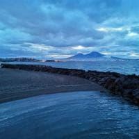 Blu Napoli, lo scatto è una tregua dall'emergenza