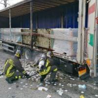 Avellino: tir in fiamme, dramma sfiorato sulla Napoli-Canosa