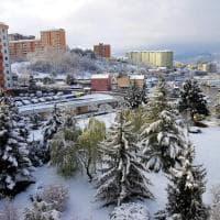 Potenza si risveglia sotto la neve, gli scatti dalle case