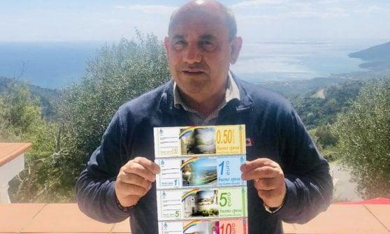"""Coronavirus, sindaco del Cilento """"conia"""" banconote per aiutare famiglie in difficoltà"""