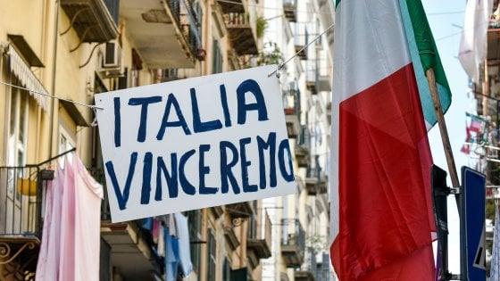 Banchi, spesa e buoni: cresce l'onda degli aiuti nella Napoli che resiste